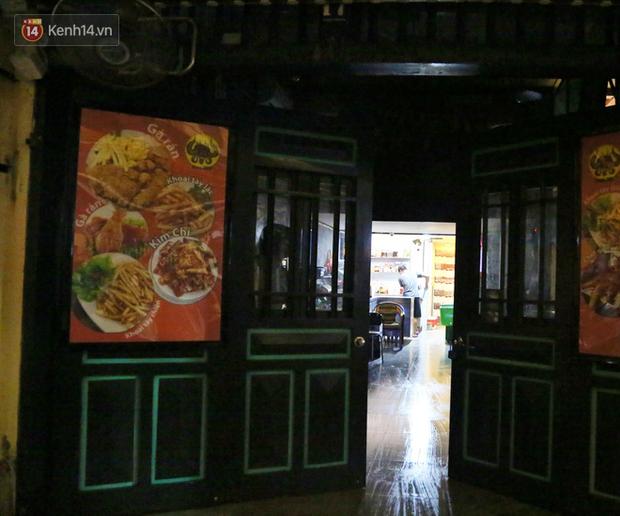 Hà Nội: Đúng 0h ngày 1/8, phố Tạ Hiện đồng loạt tắt đèn, đóng cửa, chìm vào tĩnh lặng để phòng dịch COVID-19 - Ảnh 7.