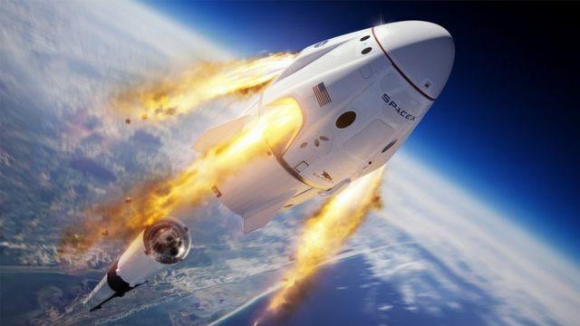 SpaceX của tỉ phú Elon Musk vừa có chiến thắng lịch sử trước startup của Jeff Bezos - Ảnh 1.