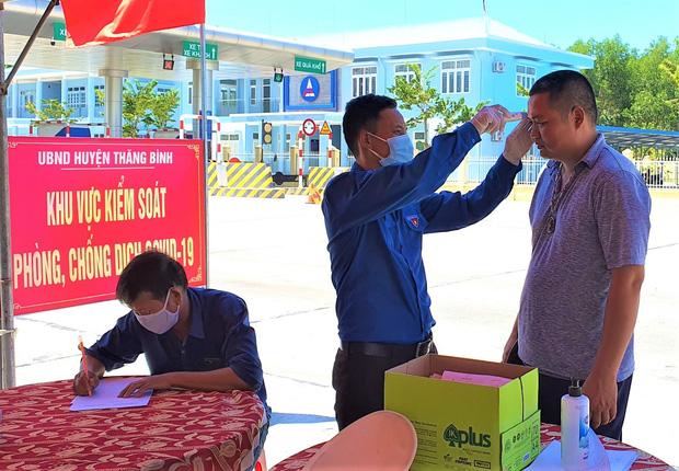Quảng Nam tiếp tục cách ly xã hội 4 huyện, thị xã từ 0 giờ ngày 15/8  - Ảnh 1.