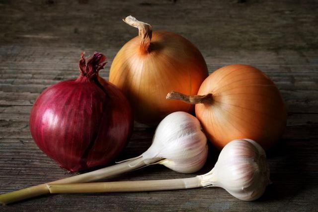 8 loại thực phẩm này tốt nhất không nên bảo quản trong tủ lạnh, vừa mất chất vừa gây hại sức khỏe  - Ảnh 3.