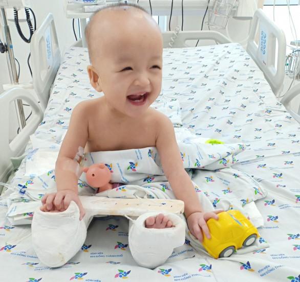 Tan chảy trước biểu cảm dễ thương của 2 bé Diệu Nhi, Trúc Nhi  - Ảnh 5.