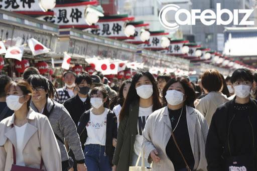 Bloomberg: Tự tin vào hệ thống y tế tốt, Nhật Bản đang chịu hậu quả từ làn sóng dịch COvid-19 thứ 2 - Ảnh 3.