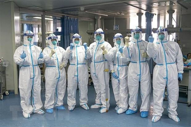 Giám đốc bệnh viện Đài Loan chỉ rõ 10 điểm quan trọng để bảo vệ bản thân trước dịch Covid-19: Kéo dài chiến tuyến, dùng không gian đổi lấy thời gian, chờ đợi thuốc điều trị và vắc-xin… - Ảnh 2.