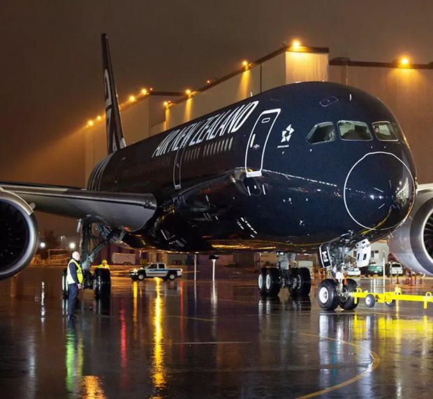 Những lý do nào khiến việc sơn một chiếc máy bay cũng có thể tốn đến 7 tỉ đồng và mất nửa tháng mới hoàn thành xong được? - Ảnh 7.
