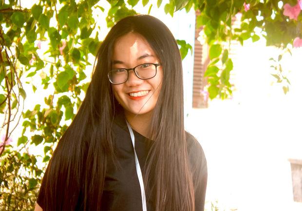 Nữ sinh Phú Yên giành 15 suất học bổng du học Mỹ, đạt 8.0 IELTS, 800/800 SAT chỉ trong 1 tháng tự ôn - Ảnh 1.