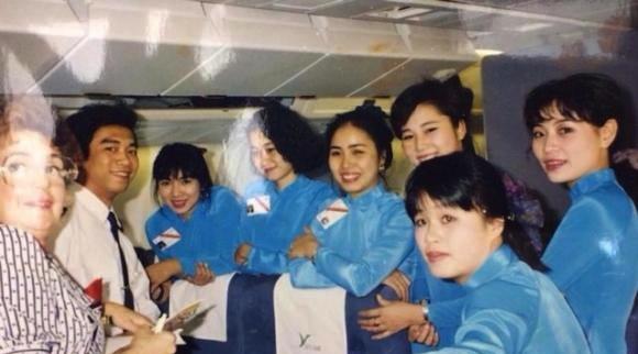 Trải qua 5 lần thay đổi đồng phục tiếp viên, Vietnam Airlines từng lọt Top 10 trang phục hàng không đẹp nhất thế giới và được nhận xét là ngày càng tinh tế, dịu dàng - Ảnh 3.