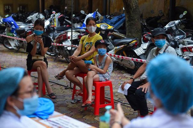 Bloomberg: Dù đà tăng trưởng kinh tế đột ngột chững lại do Covid-19, Việt Nam vẫn hấp dẫn các nhà đầu tư quốc tế  - Ảnh 3.