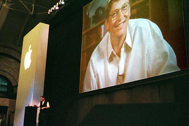 Microsoft sẽ kiếm được bộn tiền nếu vẫn giữ lại số cổ phiếu từng mua từ Apple vào năm 1997 - Ảnh 1.