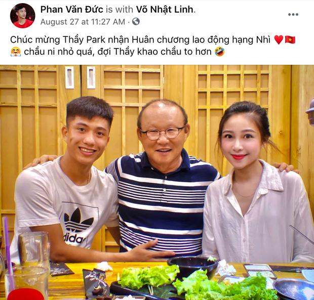 HLV Park Hang-seo được vinh danh đặc biệt, tuyển thủ Việt Nam gạ thầy khao to - Ảnh 1.