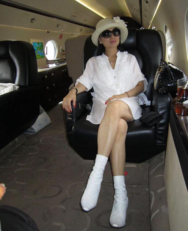 Em gái Cẩm Ly: Thành người Việt giàu nhất thế giới sau khi lấy chồng tỷ phú ở Mỹ, gia tài đồ sộ, vi vu với chuyên cơ riêng - Ảnh 12.