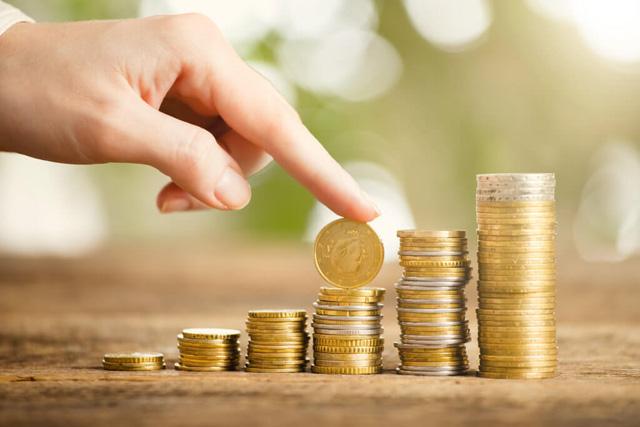 Tung đồng xu để có cơ hội lấy 100.000 USD hay từ chối để nhận ngay 10.000 USD? Câu trả lời sẽ cho bạn biết an toàn hay mạo hiểm mới là chìa khóa cho thành công lâu dài  - Ảnh 2.