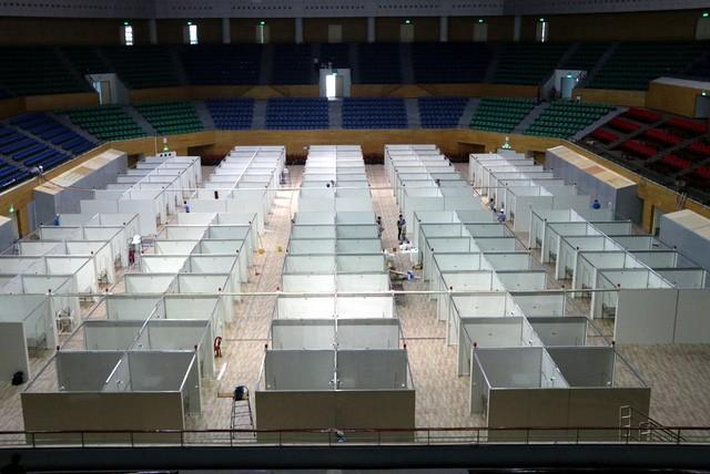 Hình ảnh bệnh viện dã chiến tại Đà Nẵng cơ bản hoàn thành sau 72h thi công thần tốc  - Ảnh 1.