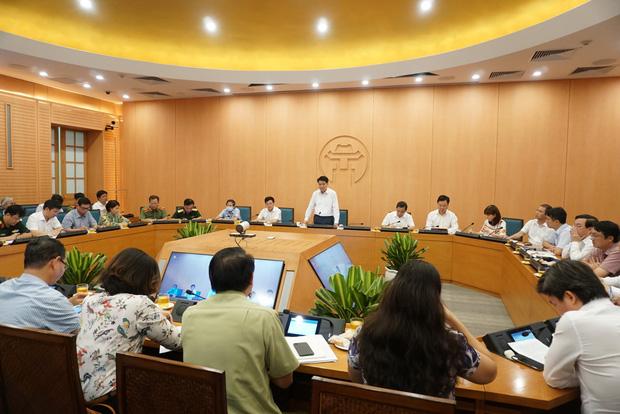 Ca dương tính với SARS-CoV-2 ở Hà Nội: Nhân viên điều hành xe bus, test nhanh âm tính vào ngày 31/7, đi nhiều nơi trong vòng 14 ngày - Ảnh 1.