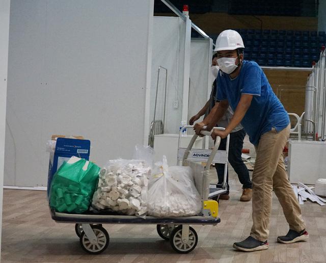 Hình ảnh bệnh viện dã chiến tại Đà Nẵng cơ bản hoàn thành sau 72h thi công thần tốc  - Ảnh 14.