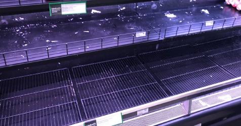 Dân Úc lại 'càn quét' các siêu thị vì Covid-19, chỉ riêng một quầy bị ghẻ lạnh không ai có tâm trạng mua!   - Ảnh 1.
