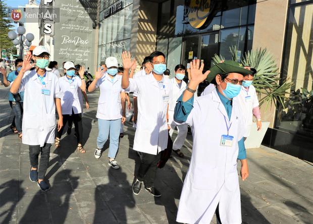 58 chiến binh áo blouse trắng của Hải Phòng, Bình Định có mặt tại tâm dịch Đà Nẵng: Chúng tôi đã sẵn sàng! - Ảnh 2.