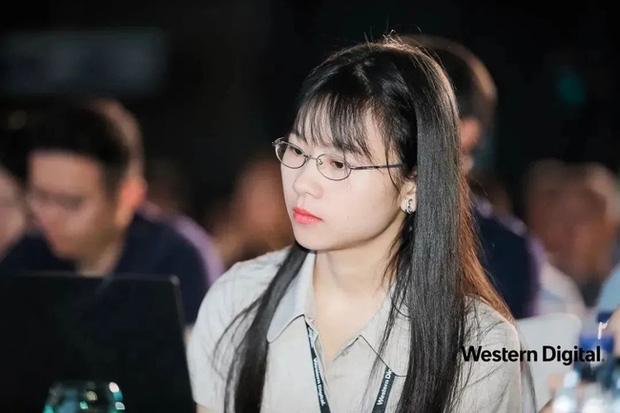 Thiếu nữ thiên tài vừa tốt nghiệp đã được Huawei săn đón: Vẻ ngoài ưa nhìn, thành tích khủng và mức lương khởi điểm 6,2 tỷ đồng/năm - Ảnh 2.