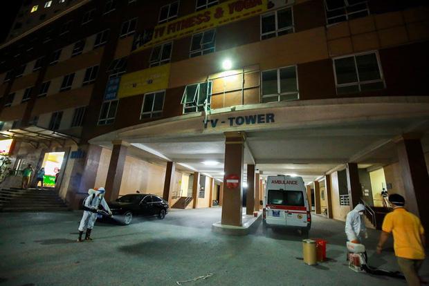 Hà Nội phong tỏa chung cư có bệnh nhân nhiễm Covid-19 tại Hoài Đức trong đêm - Ảnh 1.