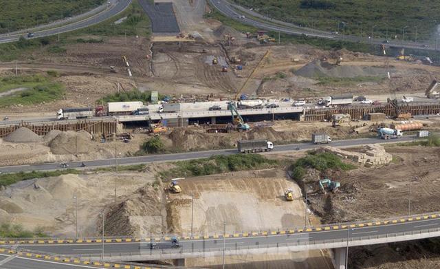 Toàn cảnh đại công trường 402 tỷ đồng nối vành đai 3 với cao tốc Hà Nội - Hải Phòng  - Ảnh 2.