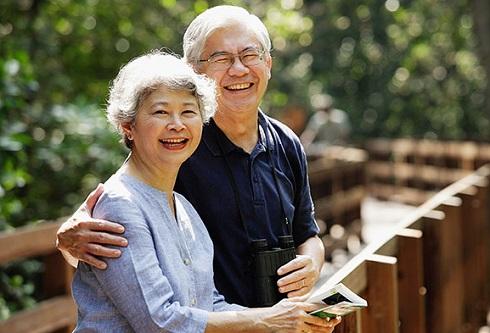 Người ở tuổi 50 nắm chắc 4 điều này trong tay, nửa đời còn lại sẽ ung dung tự tại, gia đình ngày càng viên mãn - Ảnh 2.