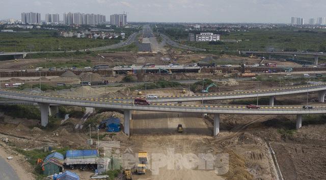 Toàn cảnh đại công trường 402 tỷ đồng nối vành đai 3 với cao tốc Hà Nội - Hải Phòng  - Ảnh 3.