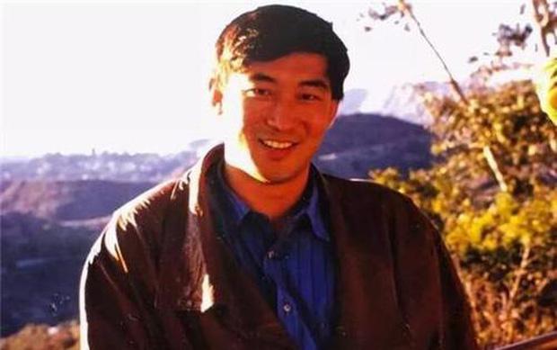 Thiên tài Vật lý 17 tuổi đã vào đại học, được nhận vào Harvard, làm giáo sư khi mới ngoài 30 đột ngột tự tử khiến mọi người tranh cãi tìm ra nguyên nhân - Ảnh 3.
