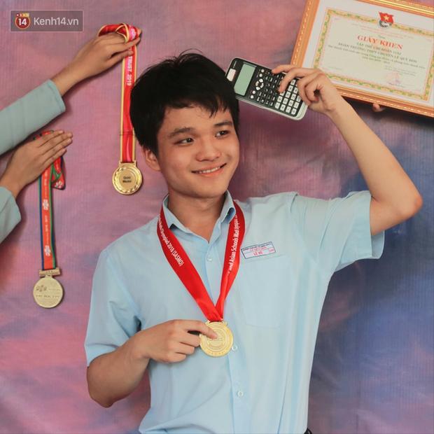 Nam sinh Đà Nẵng đánh bật các thí sinh thi đợt 1, trở thành người duy nhất toàn quốc đạt 30 điểm tốt nghiệp là ai? - Ảnh 1.