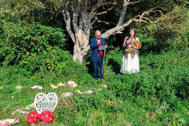 Người phụ nữ từng mặc kệ cảm nhận của gia đình để kết hôn với một cái cây giờ có cuộc sống như thế nào? - Ảnh 9.