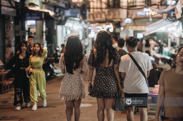 Tạ Hiện trở lại ngày Hà Nội trở lạnh: Người đông nghịt không có chỗ nhích chân! - Ảnh 14.