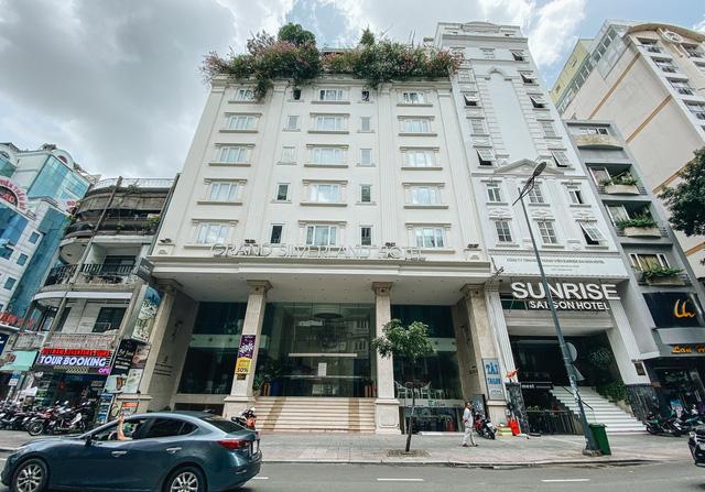 Chùm ảnh: Khách sạn ở trung tâm Sài Gòn ngừng hoạt động, rao bán vì ngấm đòn Covid-19  - Ảnh 4.