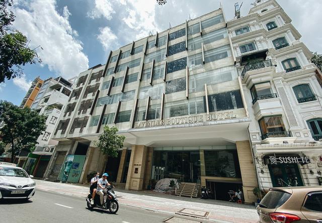 Chùm ảnh: Khách sạn ở trung tâm Sài Gòn ngừng hoạt động, rao bán vì ngấm đòn Covid-19  - Ảnh 6.