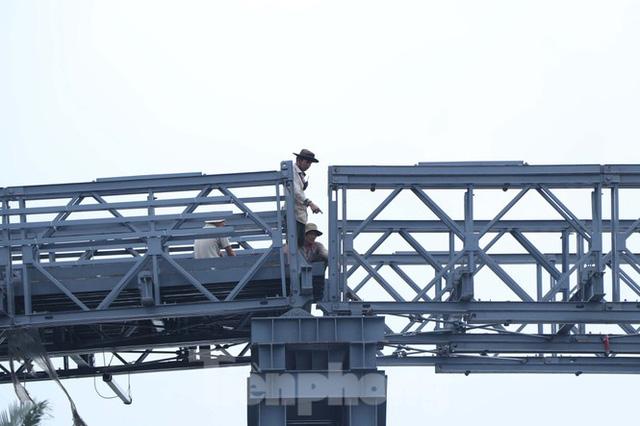 Cận cảnh cây cầu thay thế bến phà cuối cùng trong nội thành Sài Gòn  - Ảnh 3.