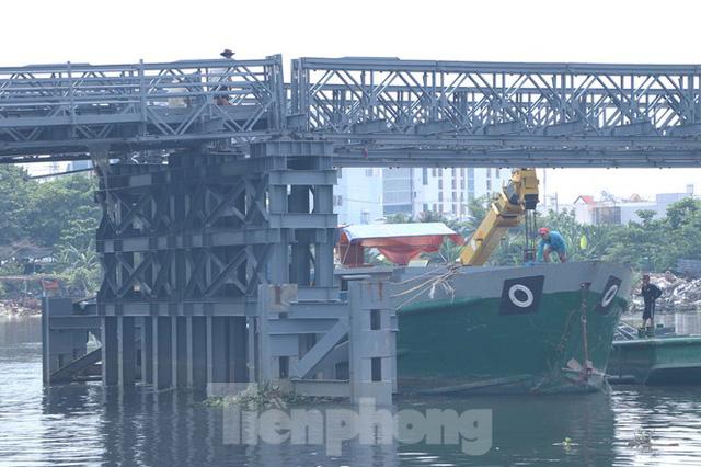 Cận cảnh cây cầu thay thế bến phà cuối cùng trong nội thành Sài Gòn  - Ảnh 4.