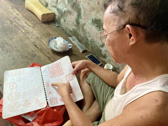 Triết lý 'ngược đời' của người thợ Hà thành 40 năm làm khuôn bánh Trung thu  - Ảnh 6.