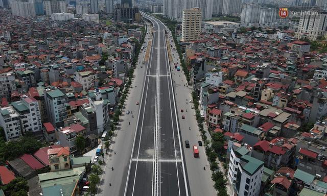 Cận cảnh cầu cạn Mai Dịch - Nam Thăng Long đã rải nhựa xong chờ ngày thông xe  - Ảnh 7.