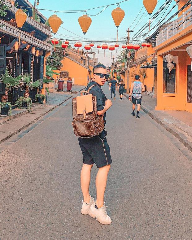 """Có 1 YouTuber năm ngoái còn thề non hẹn biển sẽ không quay vlog du lịch Việt Nam, vậy mà bây giờ đã tự """"phản bội"""" chính mình - Ảnh 3."""