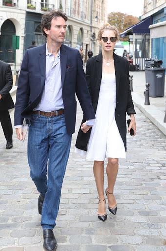 """Cái kết đẹp cho chuyện tình nổi tiếng của làng mốt thế giới: """"Thái tử Louis Vuitton"""" dùng gần 10 năm chân tình mới đổi được cái gật đầu của bà mẹ 5 con  - Ảnh 16."""