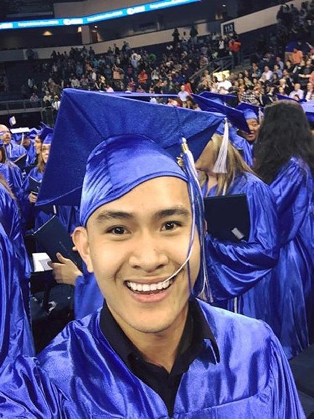 Cậu ấm cô chiêu nhà sao Việt đi du học: Người lột xác ngoại hình, người đỗ 4 trường Đại học danh tiếng, đỉnh cao là con trai Hoài Linh - Ảnh 1.