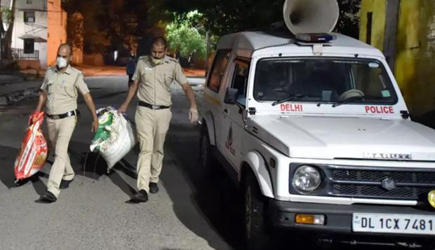 Bắt được 160kg cần sa, bốn cảnh sát Ấn Độ báo cáo 1kg rồi mang 159kg còn lại đi bán - Ảnh 1.