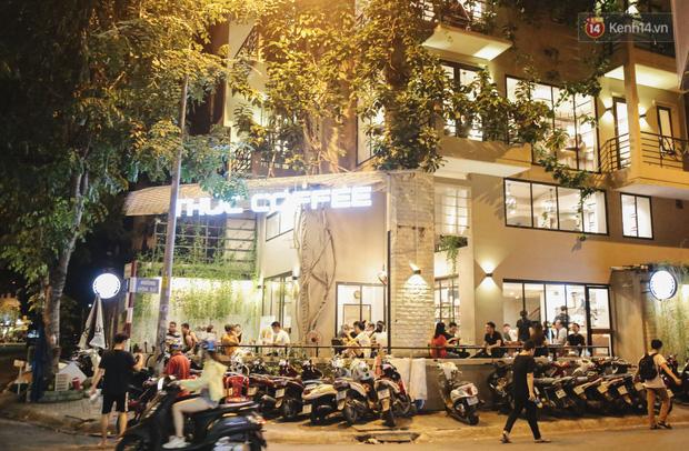 Nhiều quán cafe thâu đêm ở Sài Gòn chật kín khách: Sức chi tiêu của người Việt về đêm đâu kém du khách quốc tế! - Ảnh 3.
