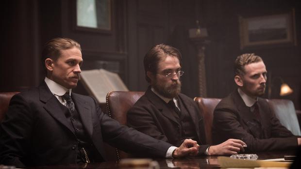 """Batman thế hệ mới Robert Pattinson: Nỗ lực phá bỏ """"lời nguyền ma cà rồng"""" để tỏa sáng - Ảnh 3."""