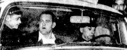 Vụ cá cược khiến nước Mỹ ngỡ ngàng: Gã đàn ông say khướt đi cướp máy bay để bay ra giữa phố tận 2 lần vì chẳng ai tin lời mình - Ảnh 4.