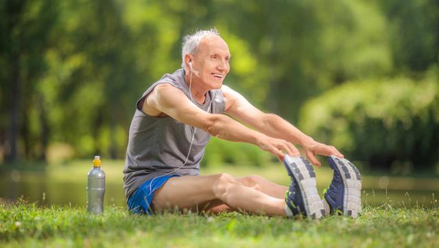 Cảm thấy choáng váng mỗi khi đứng lên? Có thể bạn đã mắc căn bệnh nguy hiểm dễ gây đột quỵ và đau tim: Người trung niên và bệnh nhân đái tháo đường cần đặc biệt chú ý  - Ảnh 4.