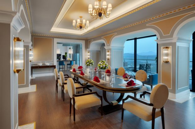 Những khách sạn nổi tiếng ở Việt Nam có phòng tổng thống gây choáng ngợp, giới siêu giàu có tiền cũng chưa chắc được trải nghiệm - Ảnh 5.
