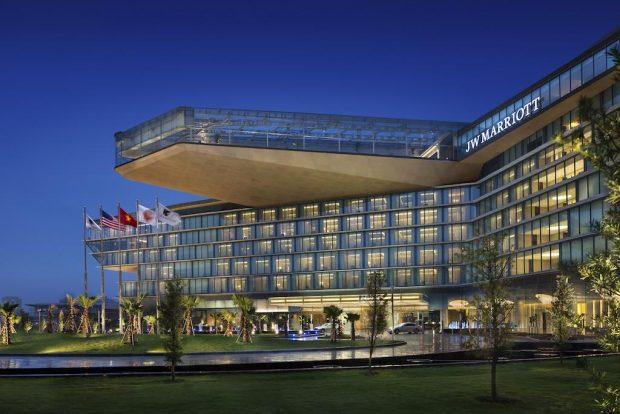 Những khách sạn nổi tiếng ở Việt Nam có phòng tổng thống gây choáng ngợp, giới siêu giàu có tiền cũng chưa chắc được trải nghiệm - Ảnh 6.