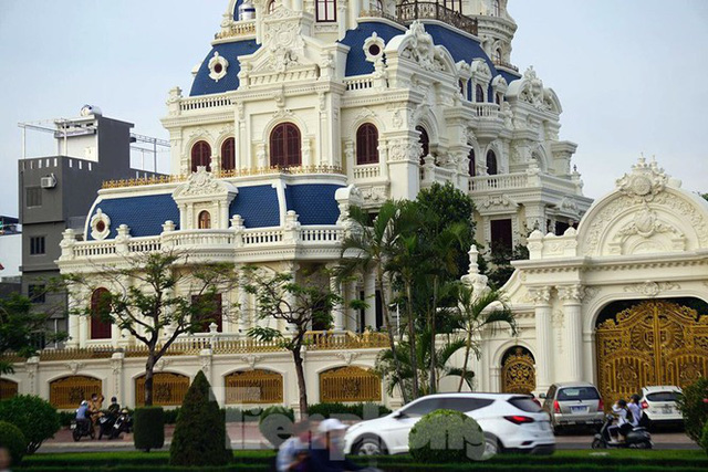Cận cảnh 2 tòa lâu đài trăm tỷ của đại gia Phát dầu vừa bị bắt ở Hải Phòng  - Ảnh 2.