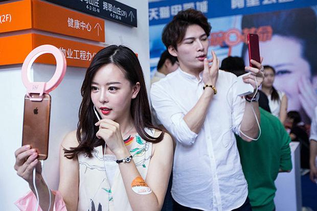 Góc khuất nghề nghiệp: 10 sự thật bất ngờ về streamer - công việc hái ra tiền bao người mơ ước ở Trung Quốc - Ảnh 9.