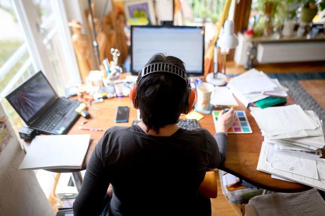 Nỗi hối tiếc lớn nhất của một nhân viên làm thuê: Đi làm không để lấy lương, mà là kiếm đủ tiền đề không phải bận tâm về cuộc sống  - Ảnh 2.