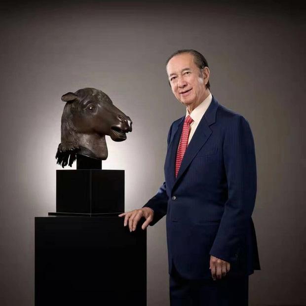 Hà Siêu Quỳnh và bà Tư thực hiện di nguyện của Vua sòng bài Macau, mang tượng đồng đầu ngựa 202 tỷ đồng hồi hương sau 160 năm - Ảnh 1.