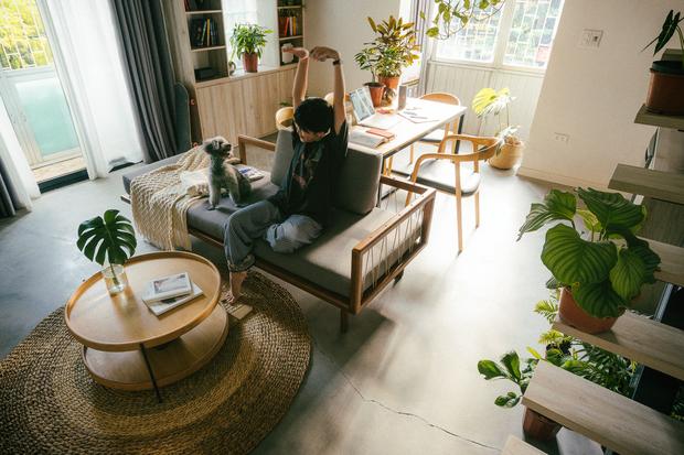 Chàng kiến trúc sư cải tạo căn hộ Pháp cổ, không gian tối giản nhưng sáng thoáng ngỡ ngàng - Ảnh 8.